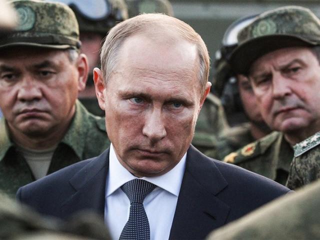 """Sự """"lạnh lùng"""" của Putin khi diễn viên hài trở thành Tổng thống Ukraine"""