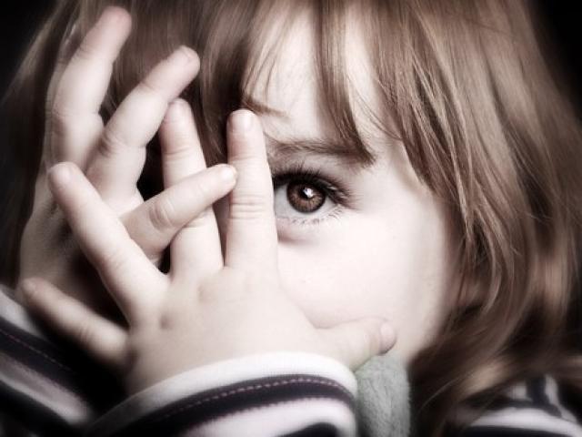 Những quy tắc tối quan trọng dạy trẻ biết tự bảo vệ bản thân trước nguy hiểm rình rập