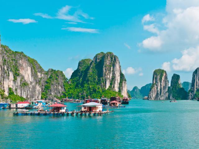Vịnh Hạ Long lọt top những điểm đến đẹp nhất thế giới