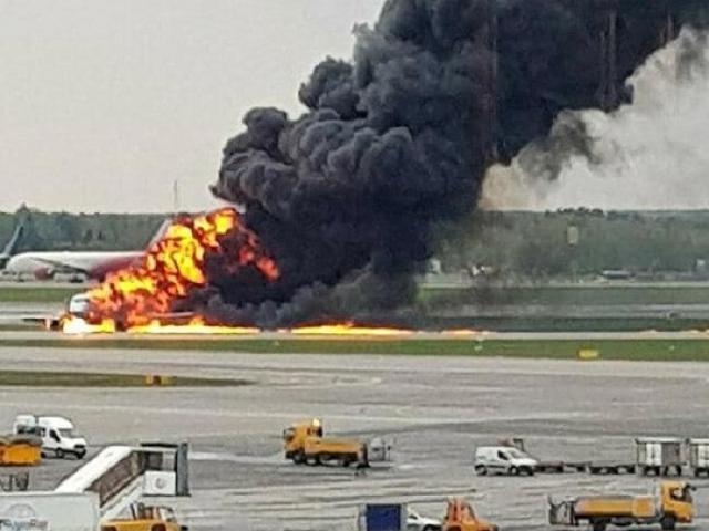 Tổng Bí thư, Chủ tịch nước gửi điện thăm hỏi vụ máy bay cháy ở Nga