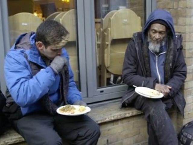 Con trai tỷ phú vỡ mộng sau 3 ngày làm người vô gia cư