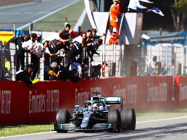 """Đua xe F1, Spanish GP: """"Mũi tên bạc"""" bay xa, """"bàn tay nhỏ"""" ở Barcelona"""