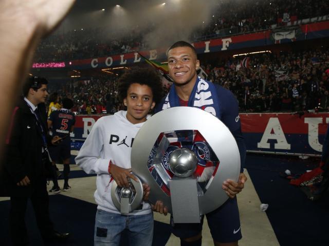 Mbappe phát cáu bị HLV PSG ngăn đua Giày vàng với Messi: Chờ Real giải cứu