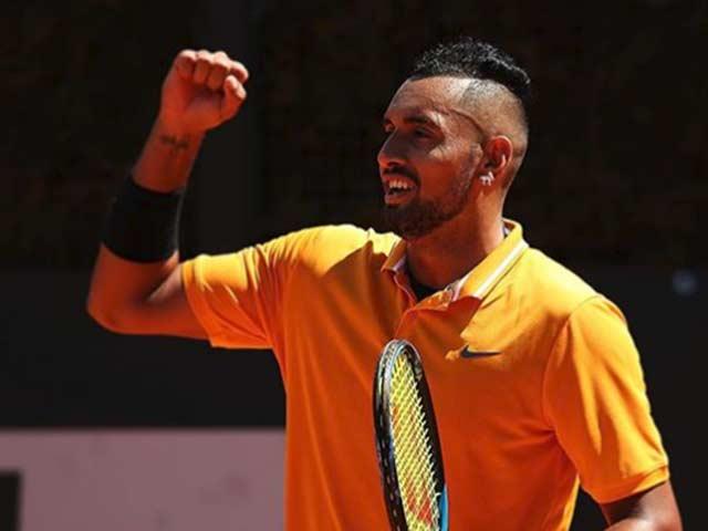 """""""Siêu quậy tennis"""" thóa mạ Roland Garros: Tật cũ chưa chừa"""