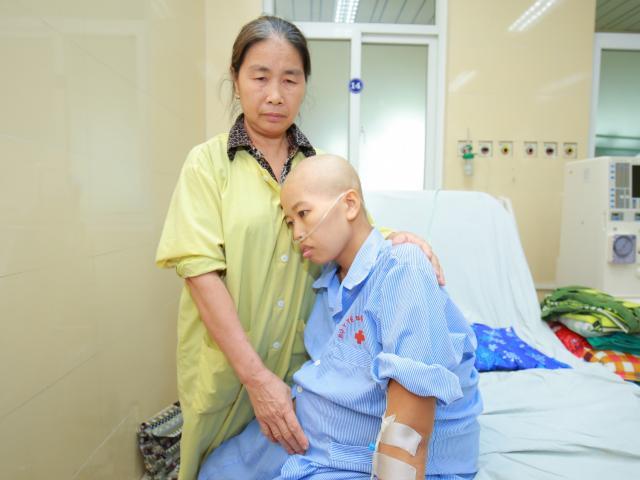 Từ chuyện người mẹ ung thư vú vẫn kiên trì sinh con, Giám đốc BV K chỉ ra dấu hiệu nhận biết sớm