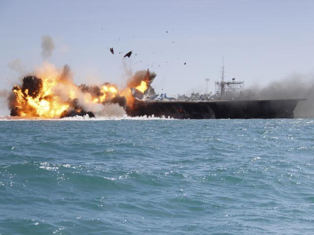 """Tướng Iran: Tàu chiến Mỹ chuẩn bị hứng """"đòn hủy diệt"""""""