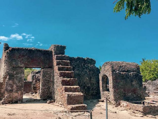 Kỳ bí chuyện những ngôi mộ cổ Kaole