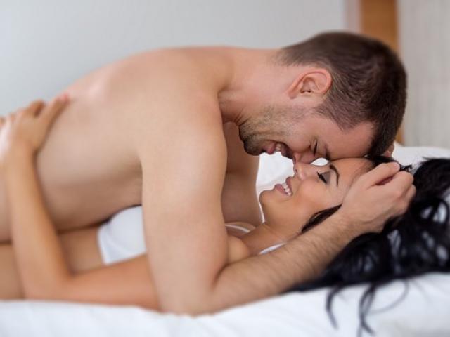 """7 thói quen giúp """"chuyện ấy"""" thăng hoa không cần dùng đến Viagra"""
