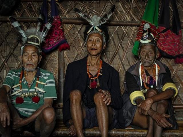 Kinh dị về bộ tộc diễu đầu người quanh làng cuối cùng ở Ấn Độ