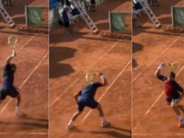 """Tay vợt """"điên rồ"""" gây bức xúc nhất năm: Đập nát vợt ném lên khán đài"""