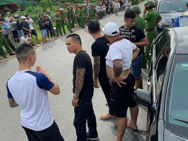 Thông tin chính thức vụ giang hồ xăm trổ vây kín ô tô chở 2 công an tỉnh Đồng Nai