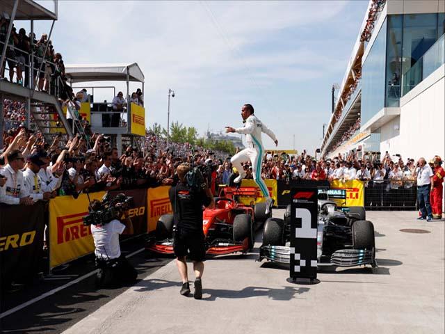 """Đua xe F1: Chạm """"thiên đường thứ 7"""", Hamilton song hành Schumacher"""