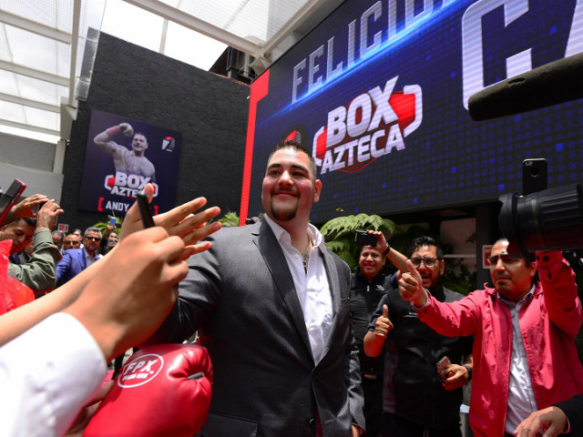 """Đấm gục quyền vương Joshua, nhà vô địch Mexico được tôn làm """"VUA"""""""
