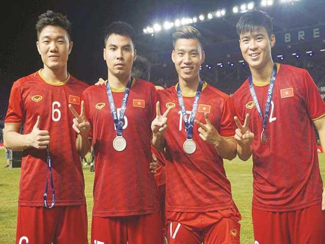 Việt Nam nhảy vọt bảng xếp hạng FIFA tháng 6: Thua ông lớn nào, san lấp được không?