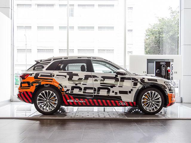 Chiêm ngưỡng hình ảnh của SUV chạy điện Audi E-tron đầu tiên tại Việt Nam