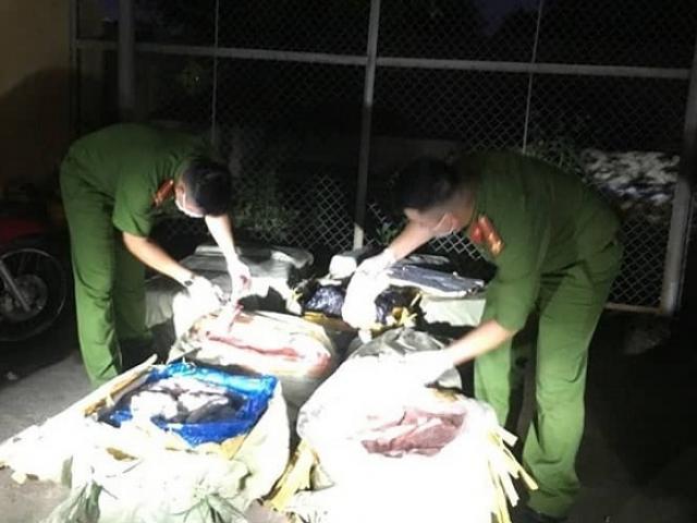 Công an Lạng Sơn thu giữ 200kg nầm lợn thối, đối tượng đã bỏ chạy