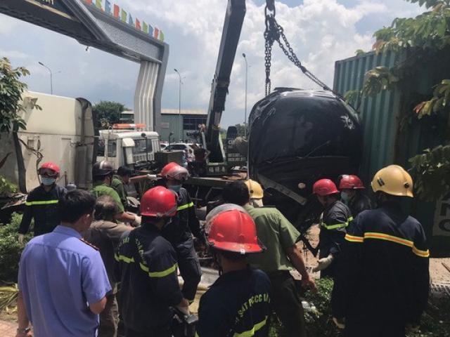 Bắt tài xế xe container tông vào ôtô khiến 5 người chết