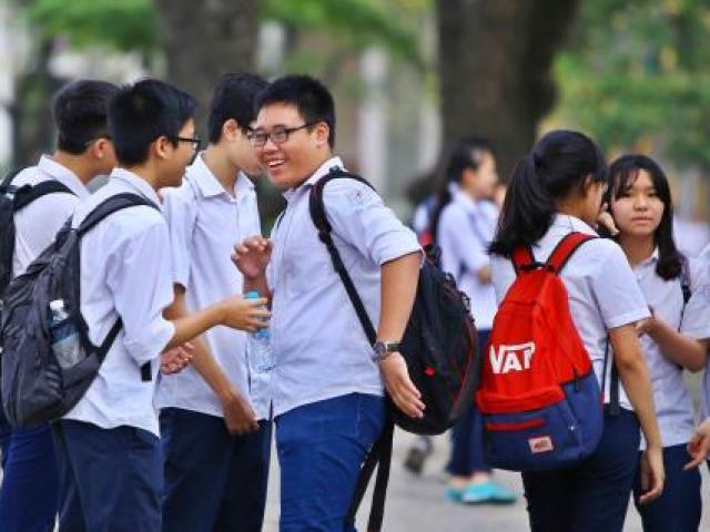 """Điểm chuẩn vào lớp 10 một số trường """"hot""""ở Hà Nội giảm kỷ lục"""