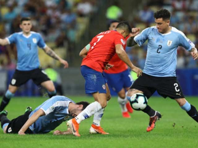 """Sanchez """"bung lụa"""" ở Copa America: Fan MU lắc đầu, chất vấn """"cú lừa"""" 92 triệu bảng"""