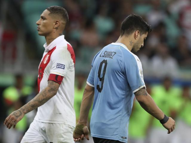 Uruguay - Peru: 3 lần mừng hụt, siêu sao gây đại họa (Tứ kết Copa America)