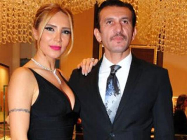 Người hùng World Cup nằm viện vì Covid-19, vợ đẹp thông báo tin dữ