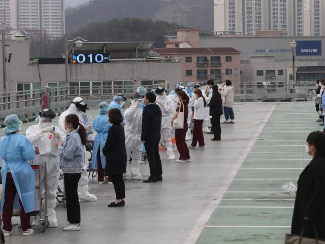 Nước thứ 2 ở châu Á ghi nhận hơn 10.000 ca nhiễm Covid-19