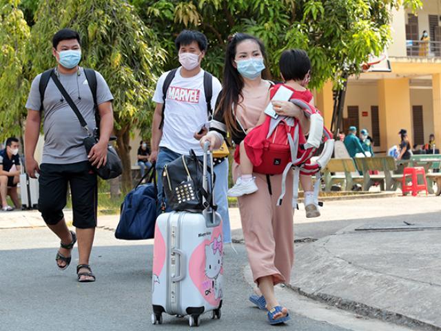 Thêm 2.327 người ở TP.HCM hoàn thành cách ly chống dịch Covid-19