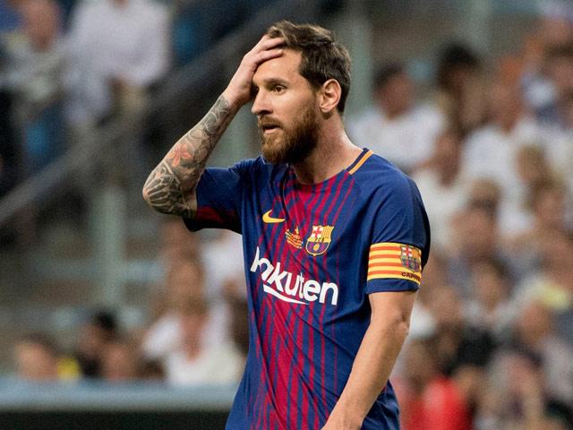 """Barca khủng hoảng, sếp lớn tố cáo """"ông trùm"""": Messi và dàn SAO bị lừa"""