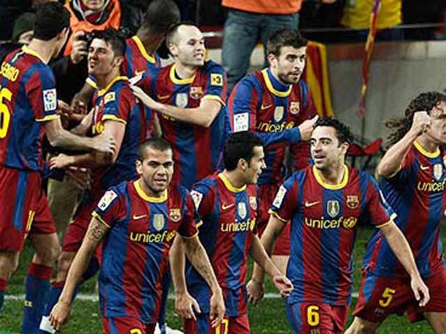 """Siêu kinh điển Barca - Real: Pep """"sỉ nhục"""" Mourinho bằng 5 """"cái tát"""""""