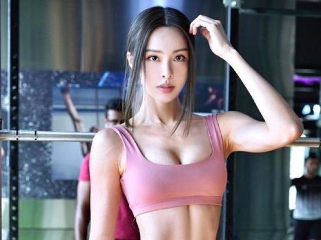 Vóc dáng ấn tượng của hot girl Malaysia với cơ thể 12% mỡ