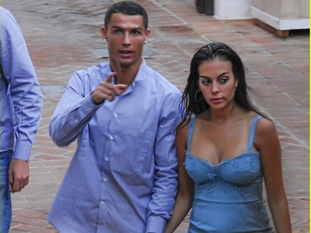 Ronaldo và ngôi sao Juventus tiệc tùng mùa Covid-19 bị fan chỉ trích