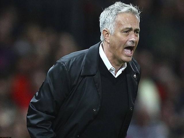 """Kinh ngạc """"người hùng"""" Mourinho suýt mất mạng vì lao vào lửa cứu người"""