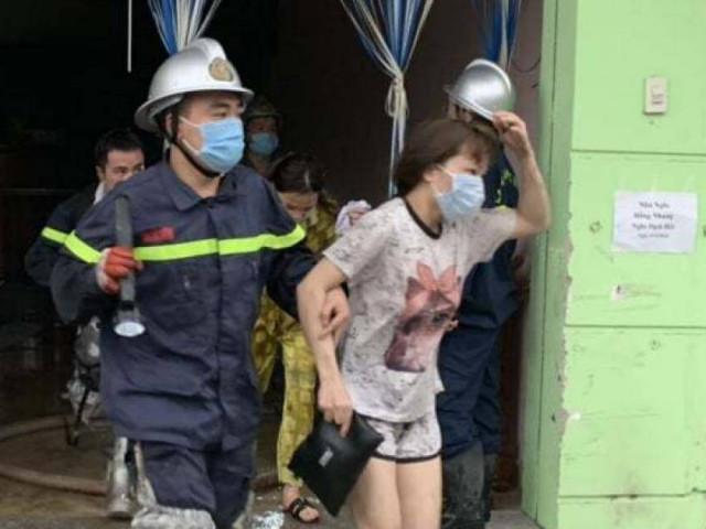 Cảnh sát cứu 14 người thoát chết trong vụ cháy nhà nghỉ lúc rạng sáng
