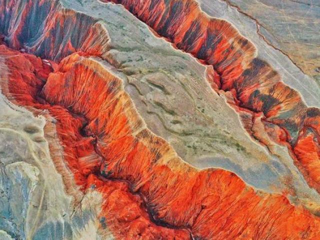 Sửng sốt trước những hẻm núi kỳ bí mẹ thiên nhiên ban tặng cho Trung Quốc