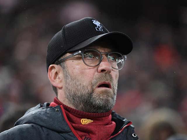 1/3 fan Ngoại hạng Anh đề nghị hủy giải, quyết ngăn Liverpool vô địch