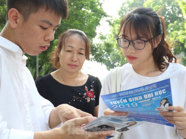 Trường ĐH công lập nào xét học bạ ngành Marketing, quản trị kinh doanh