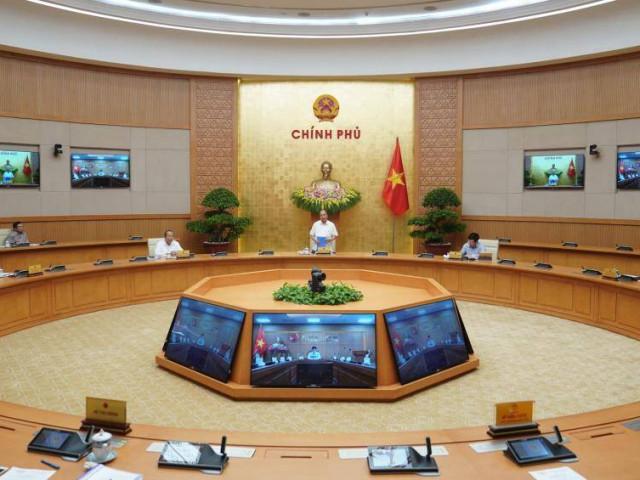 Thủ tướng cho mở lại các dịch vụ không thiết yếu, trừ vũ trường và karaoke