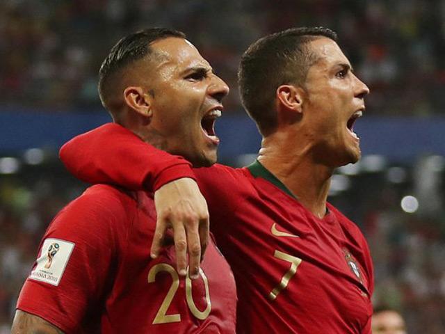 """Lọt """"mắt xanh"""" Sir Alex, Ronaldo """"hủy hoại"""" sự nghiệp Quaresma"""