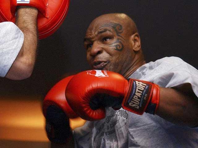 """Sững người vụ Michael Jordan suýt """"no đòn"""" dưới tay Mike Tyson"""