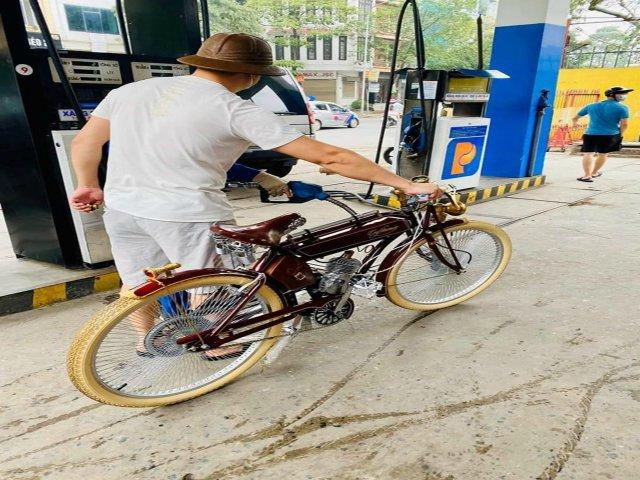 Xe đạp chạy xăng: Thú chơi đồ cổ sành điệu của người có tiền