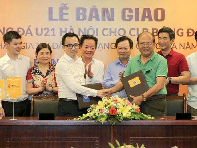 Bầu Hiển tặng luôn đội U21 Hà Nội cho Phú Thọ không lấy một đồng