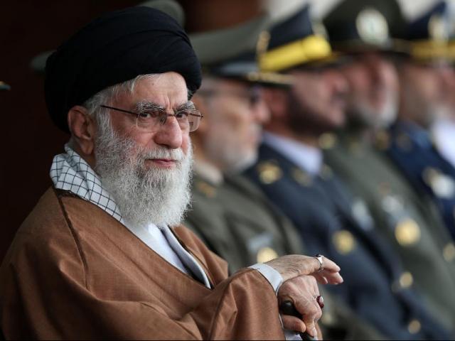 Giáo chủ Iran bất ngờ cảnh báo cứng rắn Mỹ