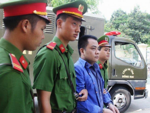 Hình ảnh nhóm giang hồ xăm trổ vây xe chở công an ở Đồng Nai hầu tòa
