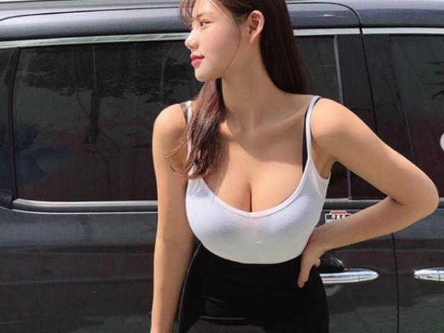 """Cô gái có vẻ đẹp lệch chuẩn xứ Hàn vẫn khiến """"người gặp người yêu"""""""