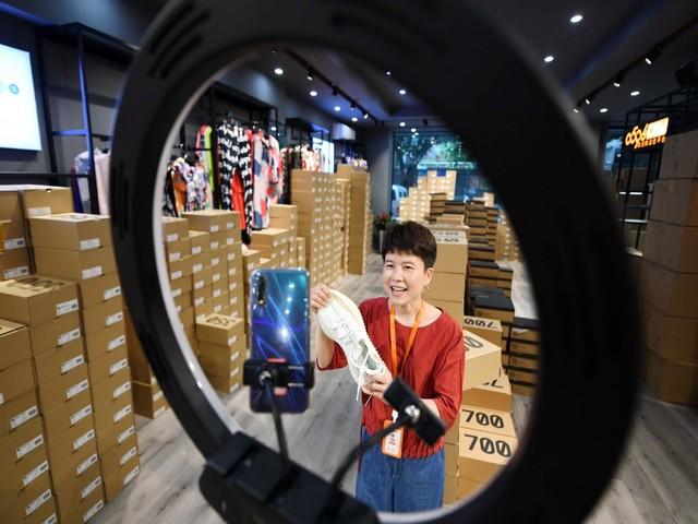 Trung Quốc chính thức công nhận Livestream bán hàng là một nghề mới