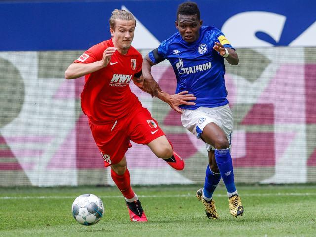 """Video highlight trận Schalke 04 - Augsburg: Siêu phẩm """"mở khóa"""", 3 đòn choáng váng"""