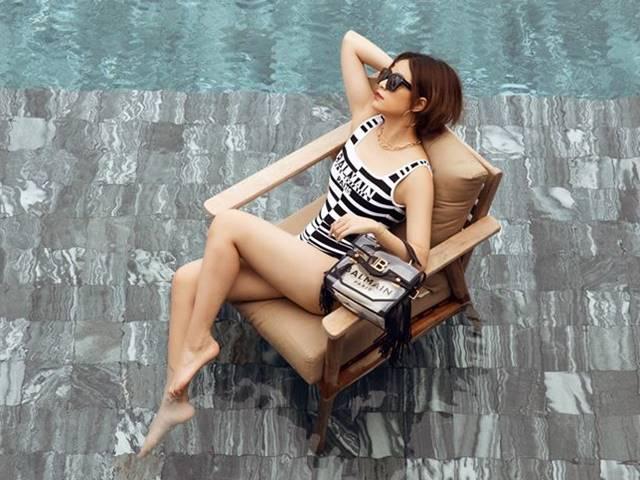 Hoàng Thùy Linh hiếm hoi lắm mới diện bikini, nhưng đã mặc là phải đồ 25 triệu đồng