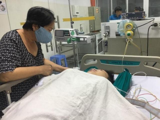 Vụ cây đổ ở TP.HCM: 1 học sinh bị chấn thương cột sống cổ