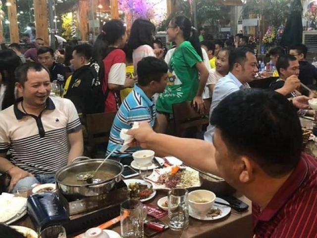 """Nhà hàng tung chiêu """"chưa từng có"""", khách hàng mê ẩm thực hưởng lợi lớn"""