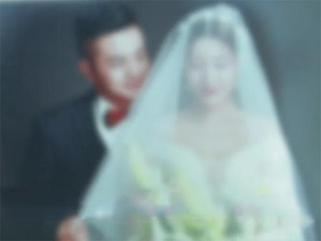 Đi chụp ảnh cưới với bạn trai mới, nhưng lại nhận về album cưới với bạn trai cũ